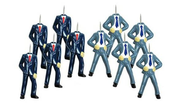 """Kit de alfinetes """"Homens de Negócios sem cabeça""""."""