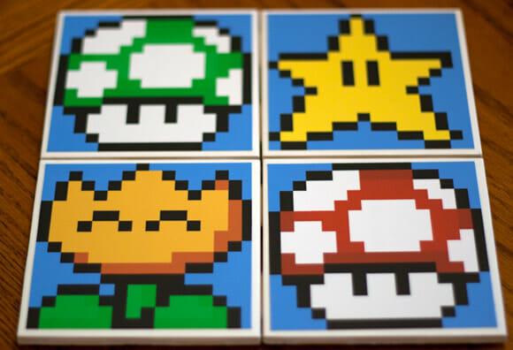 Decoração divertida na cozinha com porta-copos do Super Mario.