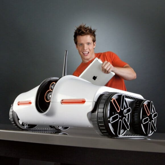 Rover - Um tanque espião robótico controlado por iPhones, iPods e iPads.