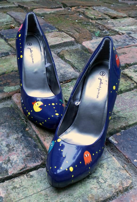 Sapato Ms. Pac-Man: Dos games para os pés!