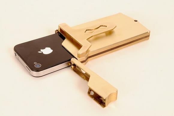 Capa para iPhone em forma de fivela para levar o smartphone agarrado na cintura!