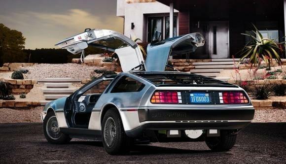 """Carro do filme """"De Volta Para o Futuro"""" ganhará versão elétrica."""