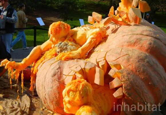 Maior abóbora do mundo é transformada em uma escultura impressionante de Zumbi. (vídeo)