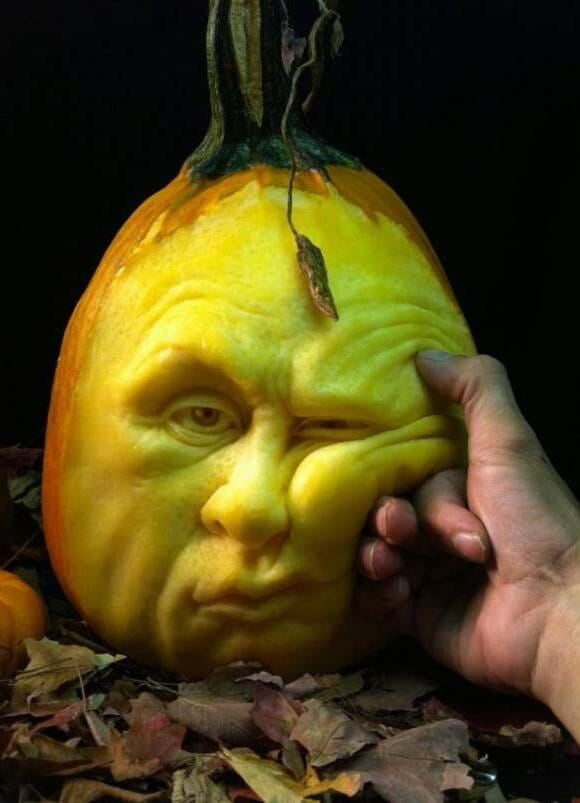 Halloween à vista: As incríveis esculturas feitas em abóboras!