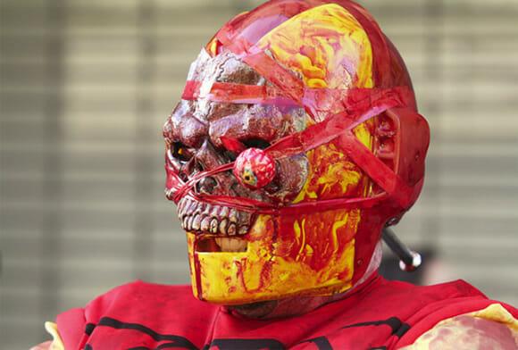 Neste Halloween fuja do Homem de Ferro Zumbi!