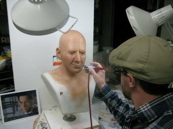 Artista cria busto realista de personagem do filme Ghostbusters.