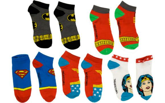 Meias de Super-Heróis já vem com capas para sair voando por aí