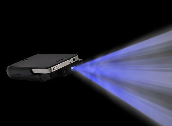 Case especial traz sistema de projeção de até 60 polegadas para iPhones! (vídeo)