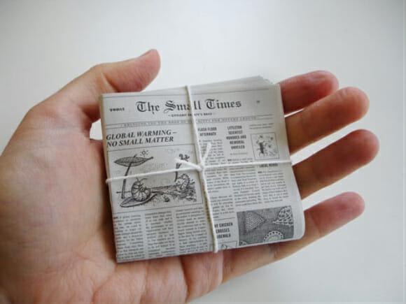 Extra! Extra! Jornal minúsculo cabe na palma da mão!