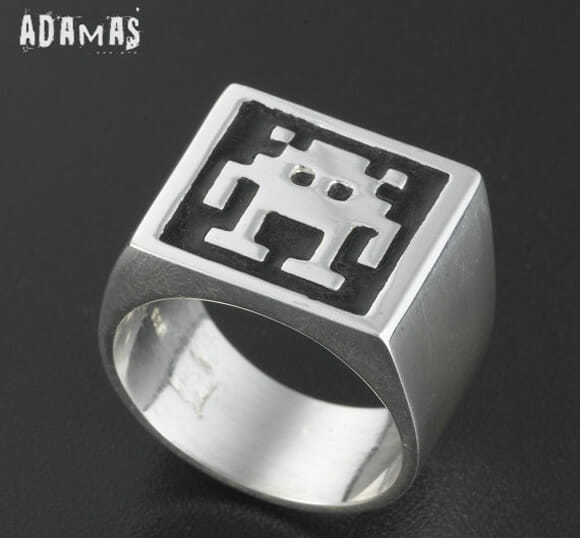 Anéis geeks do Pac-Man e Space Invaders