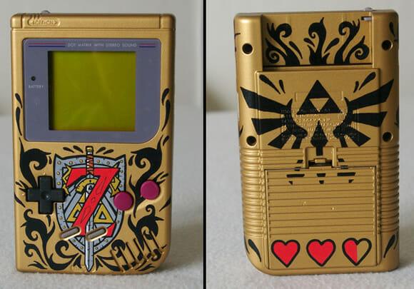 Game Boy customizado com o tema Zelda