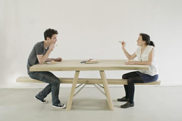 Mesa estilo gangorra ajuda quem está de dieta