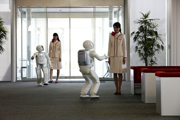 Honda lança o novo ASIMO, agora um robô incrivelmente independente e inteligente!