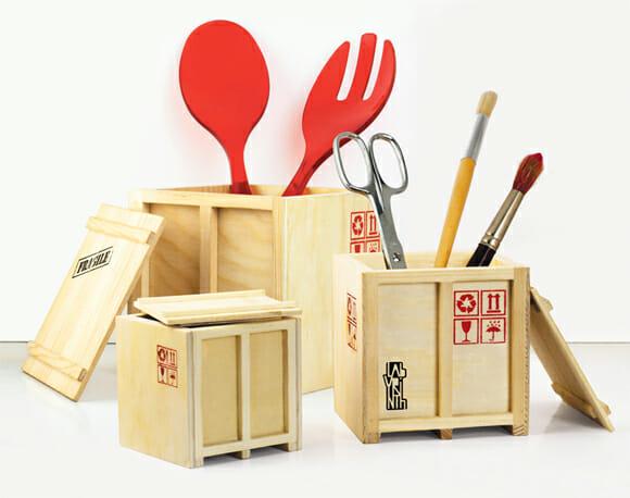 Guarde suas coisas em containers de madeira!