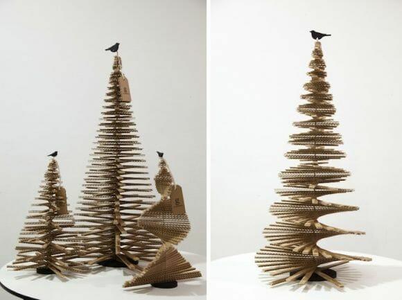A grana está curta neste Natal? Faça uma árvore usando caixas de papelão!