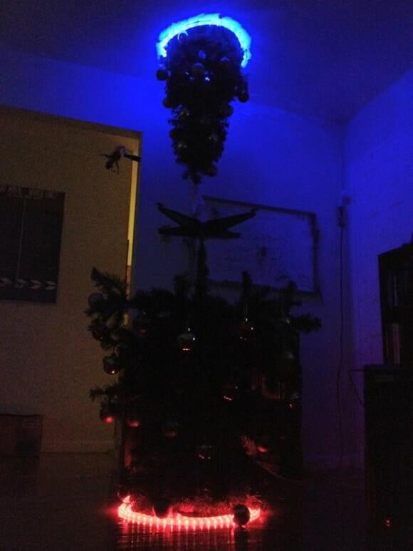 E o prêmio de Árvore de Natal mais Geek que existe vai para: Árvore do game Portal!