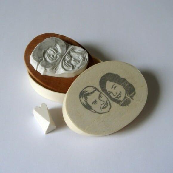 Custom Couple portrait: O carimbo personalizado que é a sua cara!