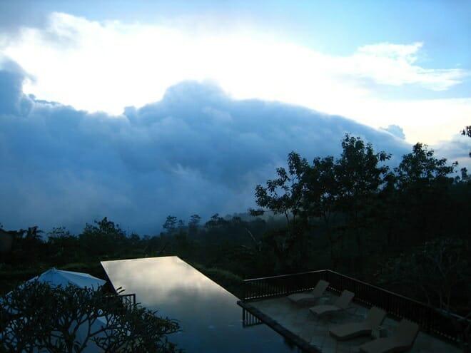 Infinity Hotel, Indonésia