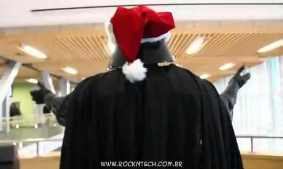 VIDEOFUN - Darth Vader se rende ao espírito natalino