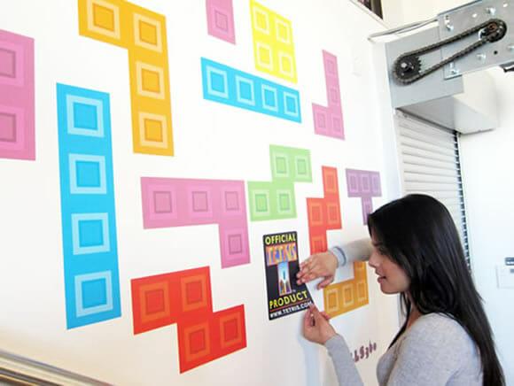 Decore seu quarto ou sala com adesivos de peças de Tetris reposicionáveis!