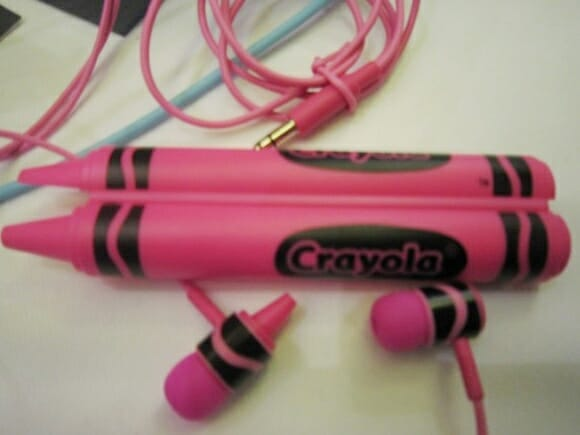 Fones de ouvido em forma de giz de cera da Crayola
