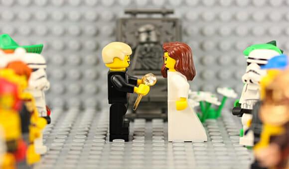 Americano cria stop motion de LEGO para pedir sua namorada em casamento (vídeo)