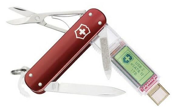 Novo canivete suíço da Victorinox tem pen drive com incríveis 1 TB de capacidade!