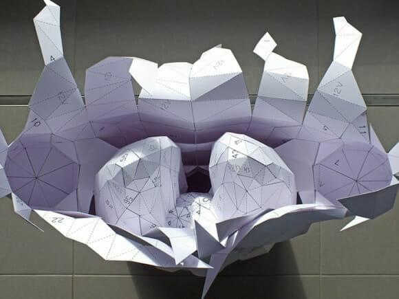 Corpo humano de papel tem órgãos modulares que podem ser retirados e colocados