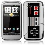 Adesivo para HTC transforma o smartphone em um controle do Nintendinho 8-bits