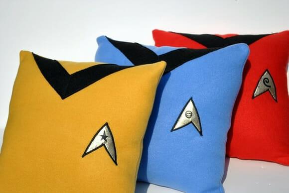 Decore sua casa com almofadas geeks inspiradas na série Star Trek