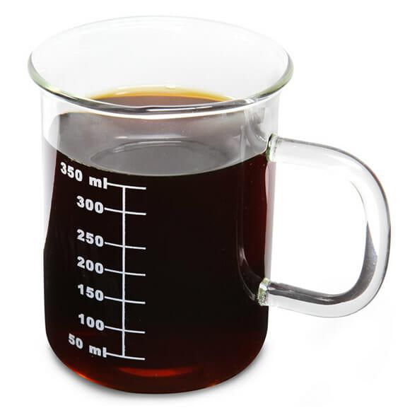 Caneca em forma de Béquer: Os químicos também gostam de café!