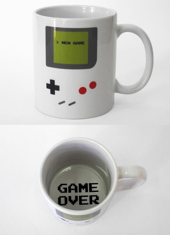 Caneca Game Boy: Aperte o Start e tome seu café!