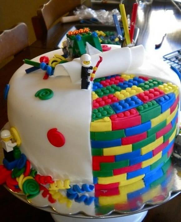 #TODOSQUER um bolo de LEGO como este!