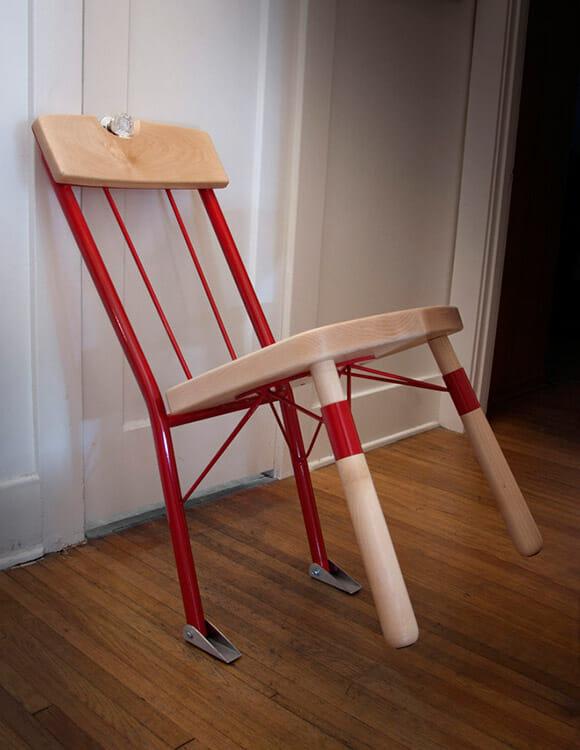 Mantenha seus inimigos distantes com a cadeira Who's There