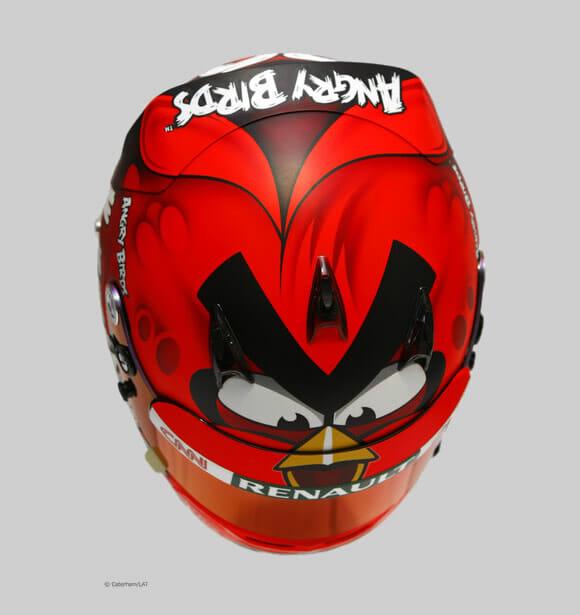 Formula 1 fica muito mais legal com capacete do Angry Birds