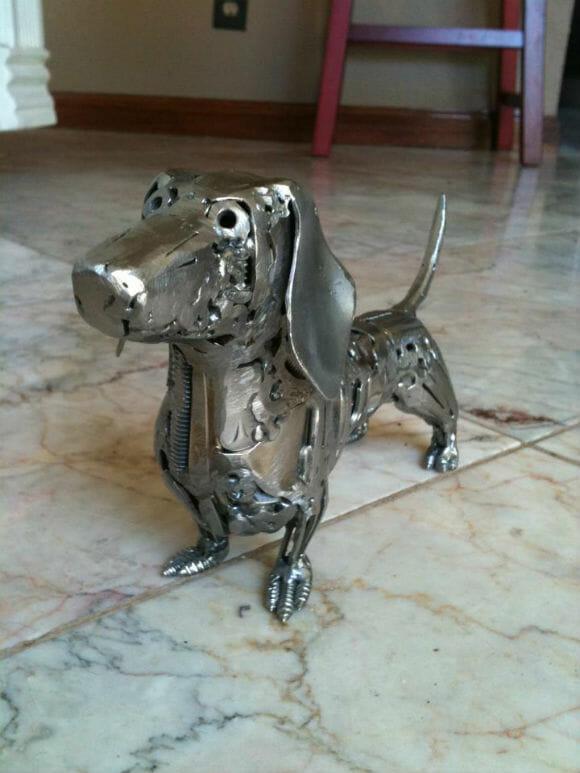 Esculturas incríveis feitas de objetos de metal reciclados