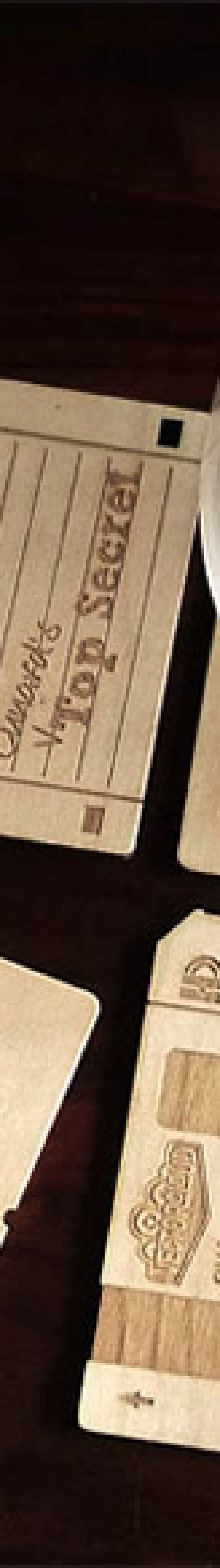 Porta-copos de madeira imitam disquetes   ROCK N TECH 0f5f2617a0