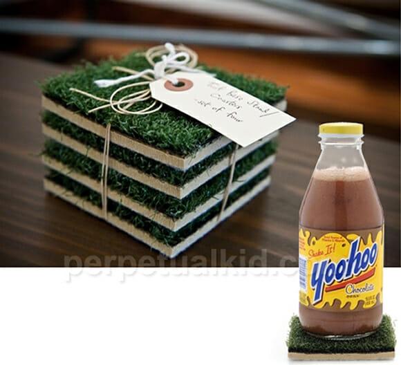 Porta-copos que imitam grama para os cervejeiros que curtem futebol
