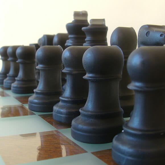 Conjunto de sabonetes em forma de peças de xadrez