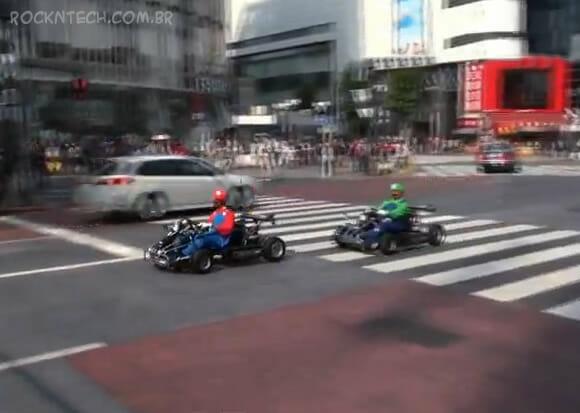 VIDEOFUN - Super Mario e Luigi são flagrados andando de kart nas ruas de Tóquio