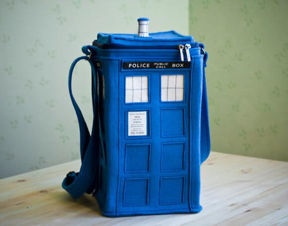 Moda geek: Bolsas TARDIS, Cubo Mágico, Câmera Fotográfica e outras