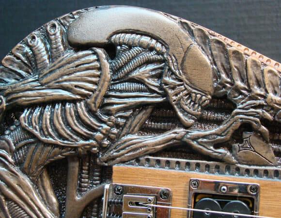 Rock n' Roll e Aliens combinam? Guitarra inspirada no filme Alien prova que sim!