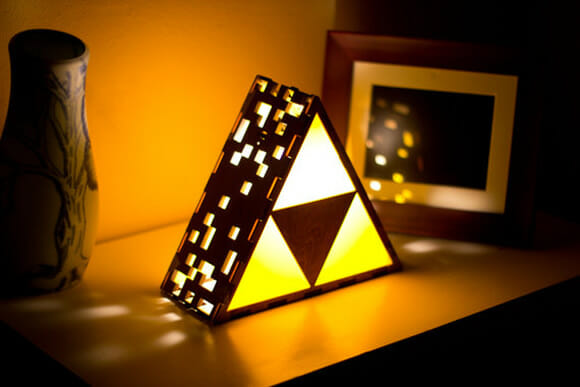 Luminária geek imita a Triforce de Zelda