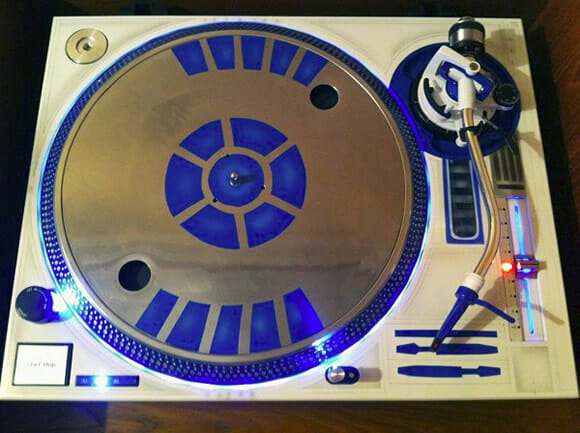 Mesa de DJ do R2-D2 (vídeo)