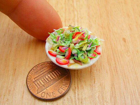 Fantásticas miniaturas de alimentos cabem na ponta dos dedos