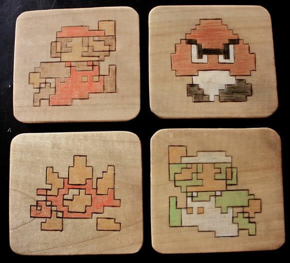 Porta-copos geeks relembram jogos em 8-bits
