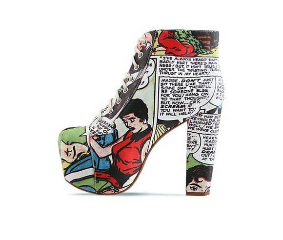 Sapato tem estampas de Histórias em Quadrinhos