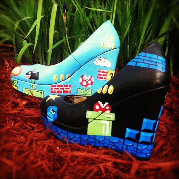Mais um sapato do Super Mario. Mais um pra gente ficar querendo!