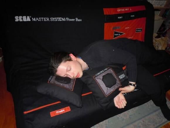Sofá Master System: Aperte o Start para dormir!