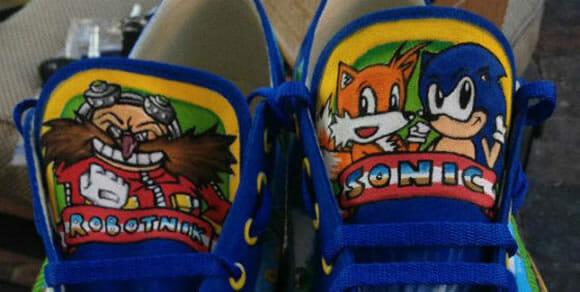 Tênis do Sonic pintado a mão é cheio de detalhes